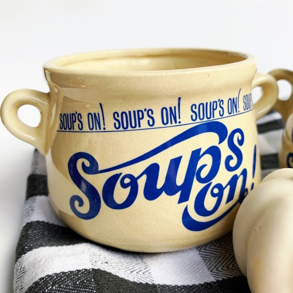 """Vintage Other - Set of two vintage """"soup's on"""" mugs"""